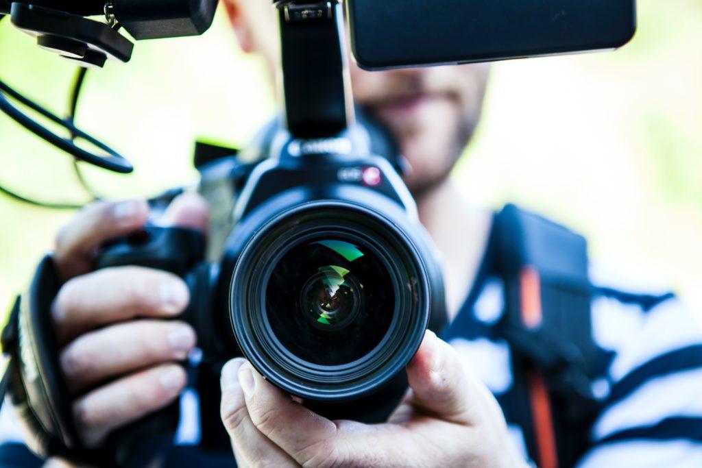 動画制作を安く抑える方法