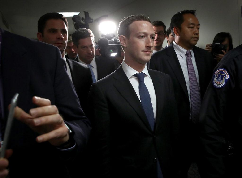 Facebook マーク・ザッカーバーグ