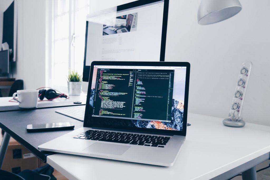STEP2:Webサイトにコードを埋め込む