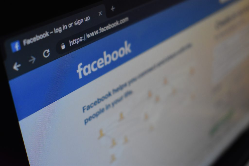 Facebook広告の事例