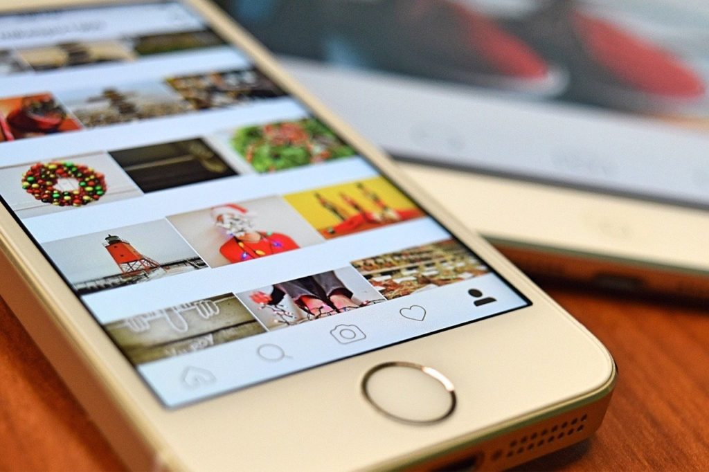 Instagram トップ画面